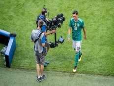 racism mesut ozil quits international football