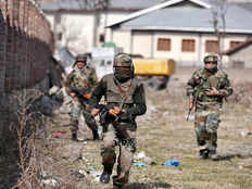 encounter between terrorist and government forces in kashmir