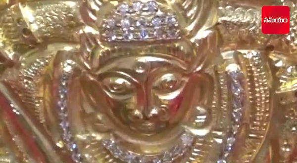 minister talasani offer golden bonam to the goddess ujjain mahankali
