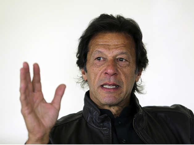 इमरान खानः पाकिस्तान के अगले प्रधानमंत्री के लिये चीन पर कशमकश
