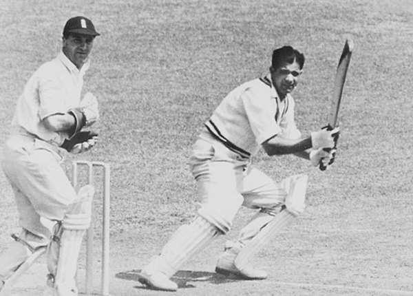विनोद माकड़ (184 रन)