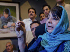 mehbooba mufti said changing 35 a status will be violation of constitution