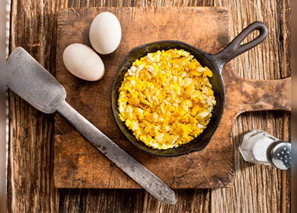 अंडा भुर्जी या बॉइल एग