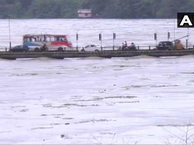 Kerala Baarish Khole Gaye 24 Baandh Ke Darvaaje, Fanse Hue Logon Ko Bachaane Ke Liye Sena Dati