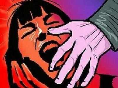 Bandhak Banaakar Do Saal Tak Gang-rape Ka Aarop, Deh Vyaapaar Ka Virodh Karne Par Kaati Ungali