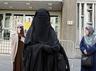 british bus driver demands muslim woman remove naqab