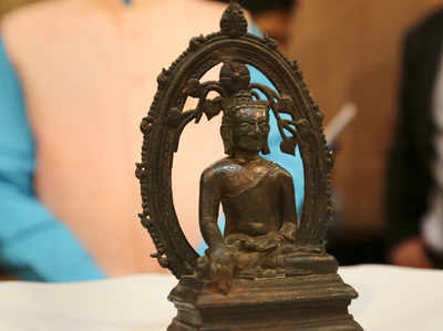 भारत को लौटाई गई प्राचीन बुद्ध प्रतिमा