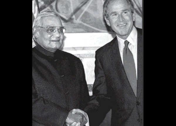 पूर्व अमेरिकी राष्ट्रपति संग अटलजी