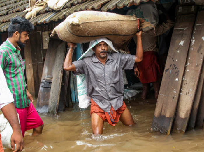 बाढ़ से भयावह हालात
