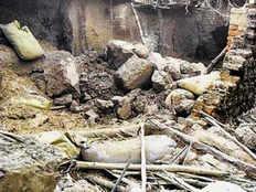 chhattisgarh wall collapse due to heavy rain grandfather and grandson died in kasdol