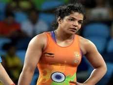 asian games wrestler vinesh phogat gets close to gold sakshi malik and pooja dhanda to fight for bronze