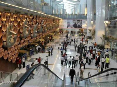 एयरपोर्ट पर चेकिंग के दौरान हैंडबैग से बाहर निकालने होंगे पर्स, मोबाइल और पेन