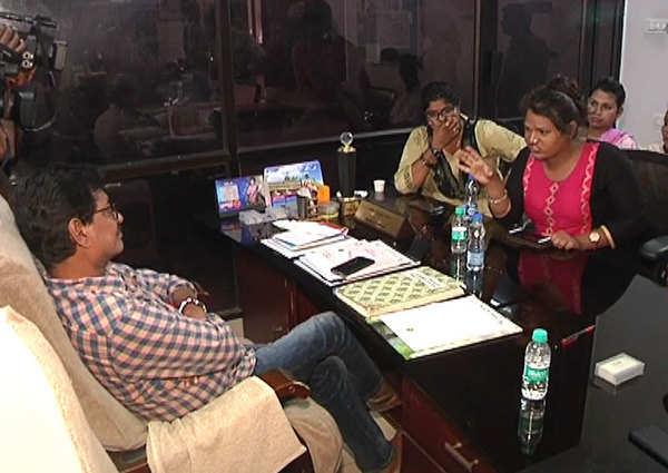 hijra union members fire on naga shourya narthanasala movie