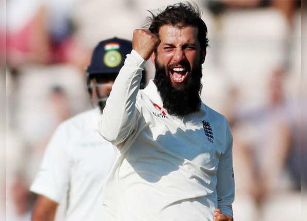अली ने झटके 9 विकेट
