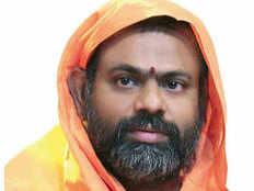 telangana bjp seen yogi adityanath like leader in swami paripoornananda