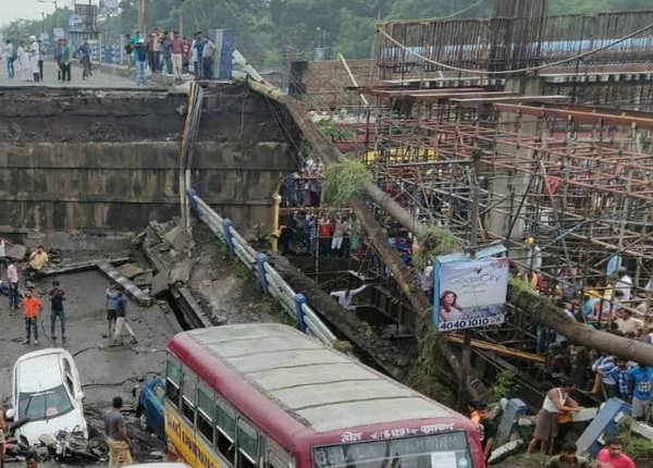 सबसे व्यस्ततम पुलों में से एक है माझेरहाट ब्रिज