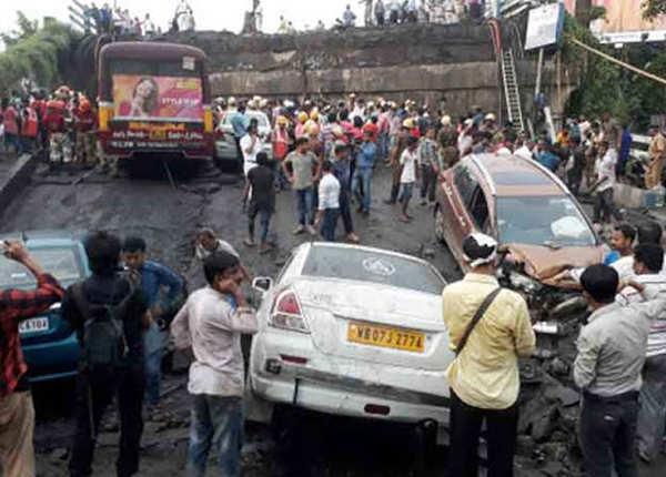 कोलकाता हादसे पर पीएम ने जताया दुख