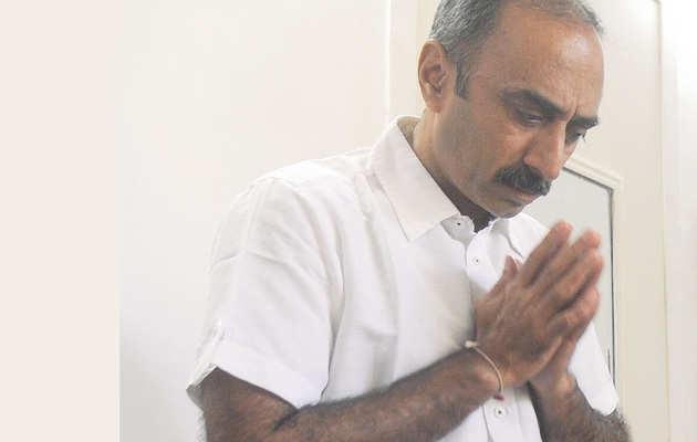 गुजरात: पूर्व आईपीएस अधिकारी संजीव भट्ट हिरासत में लिए गए