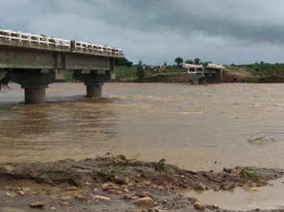 तीन महीने में ही बह गया कूनो नदी का पुल