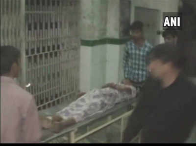 तेजाब से झुलसे पीड़ितों को अस्पताल में कराया गया भर्ती