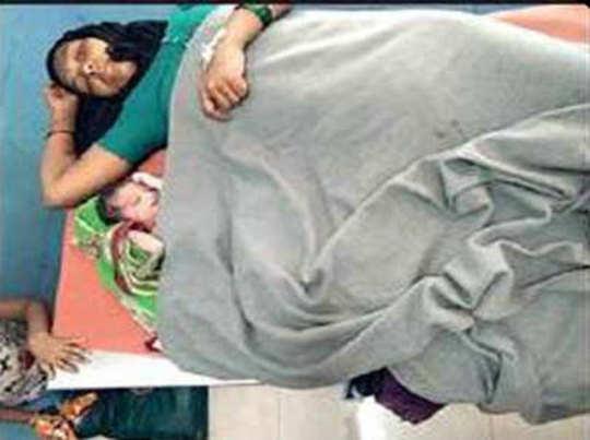 बच्चे के साथ अस्पताल में यल्लवा
