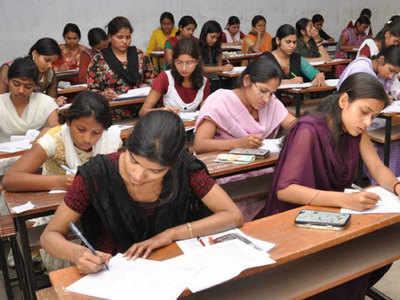 Angreji Mein Aae Savaalon Ka Students Ne Hindi Mein Likha Javaab, Vivaad