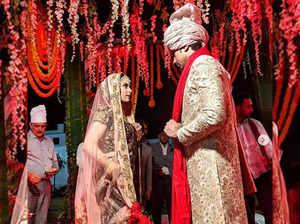 देखें, शादी के बंधन में बंधे सुमीत व्यास और एकता