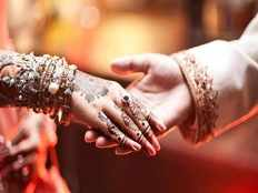 chennai bride runs away with her lover within 9 days after marriage