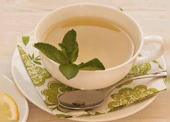 पुदीना या अदरक की चाय