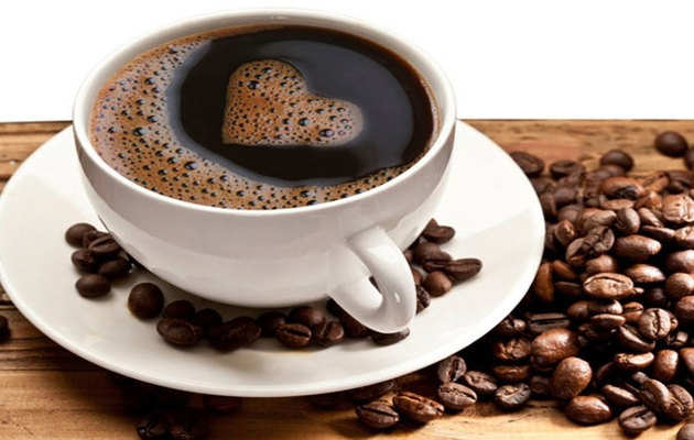 चाय-कॉफी की लत से यूं पाएं छुटकारा