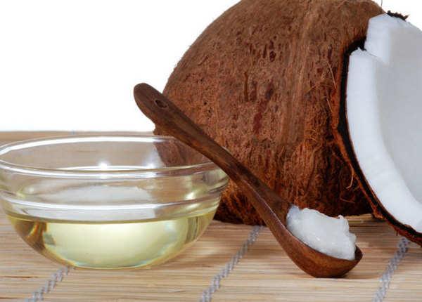 नारियल या बादाम तेल से मसाज