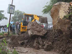 heavy rain in uttarakhand three highway blocked due to landslide