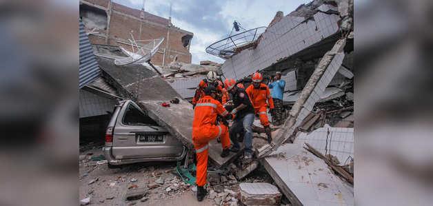 इंडोनेशिया: भूकंप बाद सुनामी से मरने वालों की संख्या बढ़कर 832 हुई