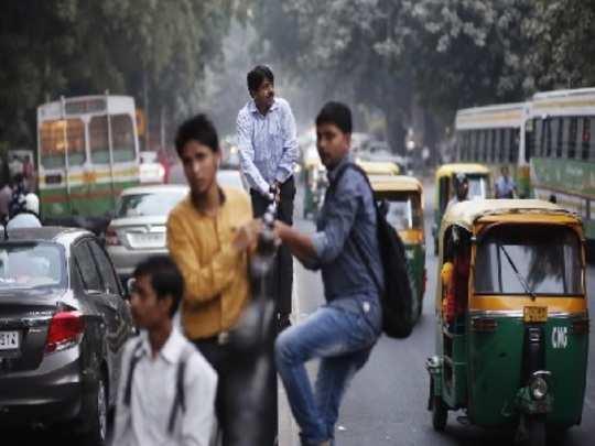 रस्ते अपघातात दररोज ५६ पादचाऱ्यांचा मृत्यू!