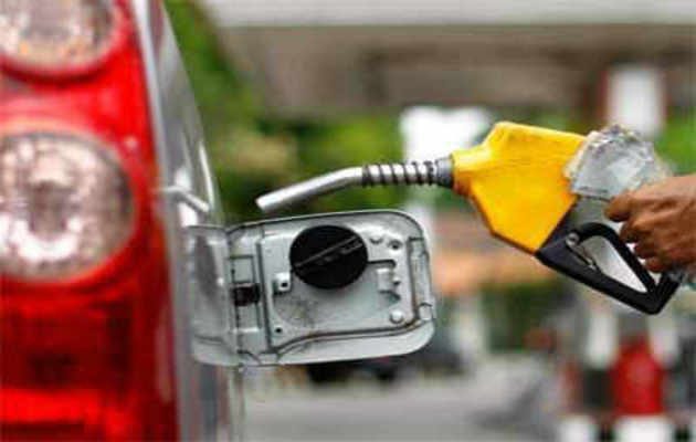 एक्साइज ड्यूटी में कटौती से पेट्रोल-डीजल सस्ता