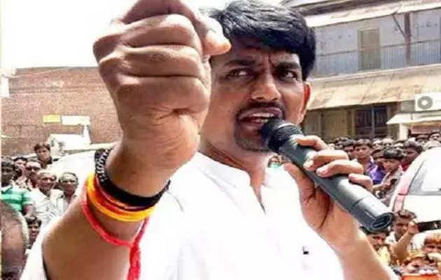 गुजरात: कांग्रेस नेता अल्पेश ठाकोर के भड़काऊ भाषण का वीडियो हुआ वायरल