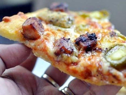 डॉमिनोजची गुजरातमध्ये नॉन व्हेज पिझ्झा विक्री बंद
