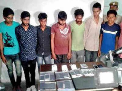 पुलिस ने नौसिखिए अपराधियों को गिरफ्तार किया
