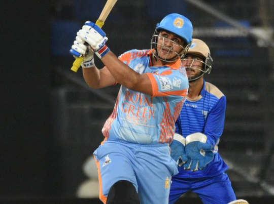 अफगानिस्तान के हजरतुल्लाह जजई ने एक ओवर में जड़े 6 छक्के।