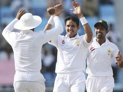 PAK Vs AUS Abbas Ka 'Panch', Australia 145 Run Par Dher, Pakistan Ki Sthiti Majaboot