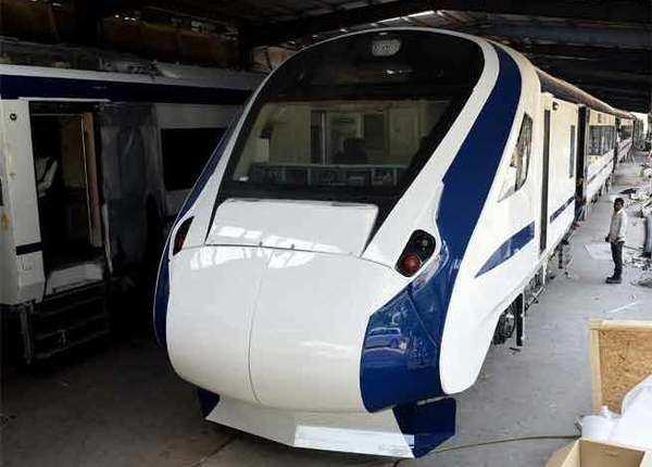 ट्रेन 18, बिना इंजन 200 किमी प्रति घंटे की स्पीड
