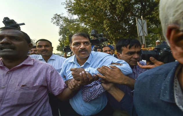 भ्रष्टाचार: देवेंद्र कुमार को 7 दिन की सीबीआई कस्टडी में सौंपा