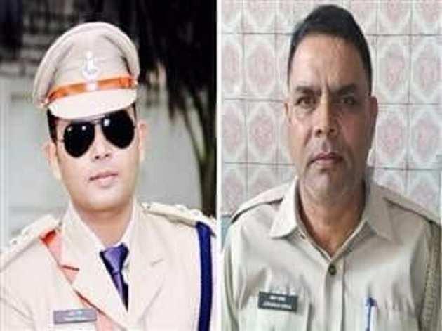 आईपीएस अनूप सिंह (कैप में) और जनार्दन सिंह