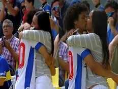 venezuelan footballer eduard bello proposes girl friend after scoring goal
