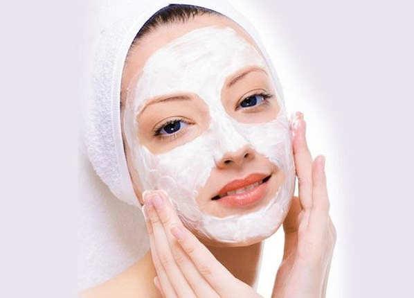 बादाम का पेस्ट है त्वचा के लिए उपयोगी