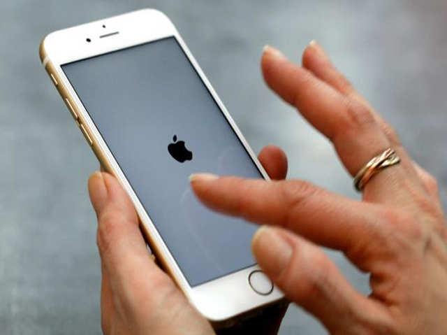 भारतीयों में कम हो रहा iPhone का क्रेज, 4 साल में पहली बार बिक्री में कमी
