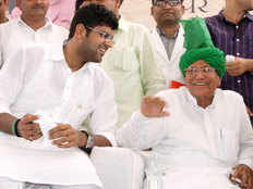 many inld workers leave party in support of dushyant chautala