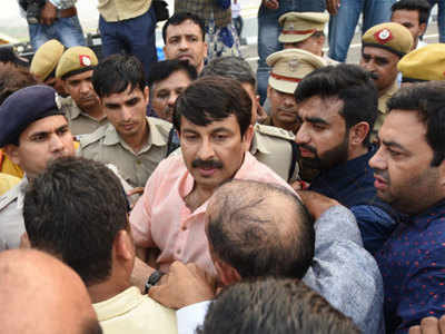 Image result for तिवारी और अमानतुल्लाह, दोनों के खिलाफ मिलीं पुलिस शिकायतें