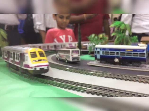 मुंबई: वेस्टर्न रेलवे ने मनाया अपना 67वां स्थापना दिवस