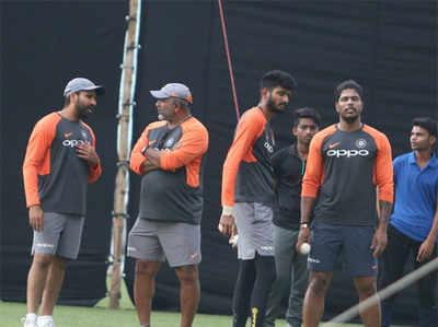 भारत और वेस्ट इंडीज के बीच तीन टी20 मैचों की सीरीज का दूसरा मैच मंगलवार को लखनऊ में खेला जाएगा। भारत रत्न अटल बिहारी वाजपेयी स्टेडियम में खेले जाने वाले इस मैच को जीतकर टीम इंडिया की कोशिश सीरीज पर कब्जा करने की होगी। भारत ने कोलकाता में खेला गया पहला मैच जीता था।